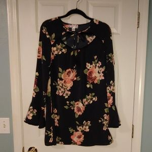Floral long sleeve light dress